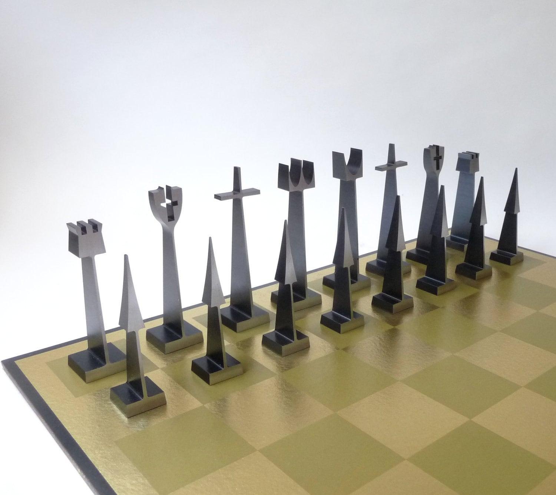 Modern austin alcoa aluminum chess set - Chess board display case ...