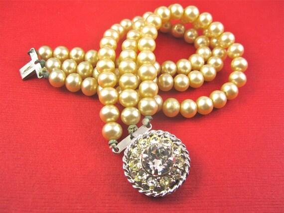 SALE Vintage 50s Faux Pearl Bracelet with Fabulous Rhinestone Clasp