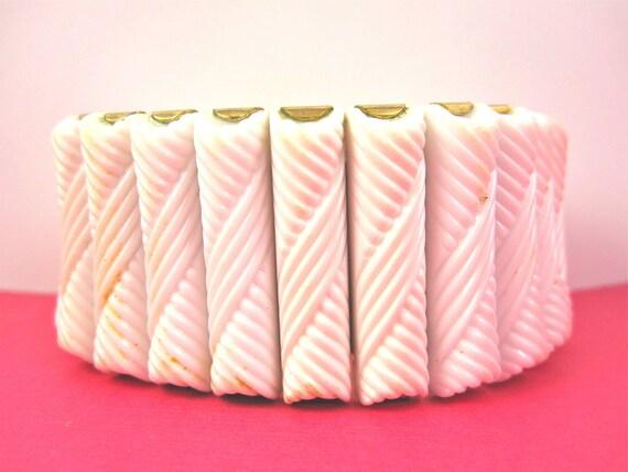 Vintage 50s White Lucite Expansion Bracelet
