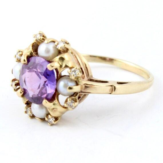 Vintage 10K Retro Purple Sapphire Pearl Diamond Right Hand Ring