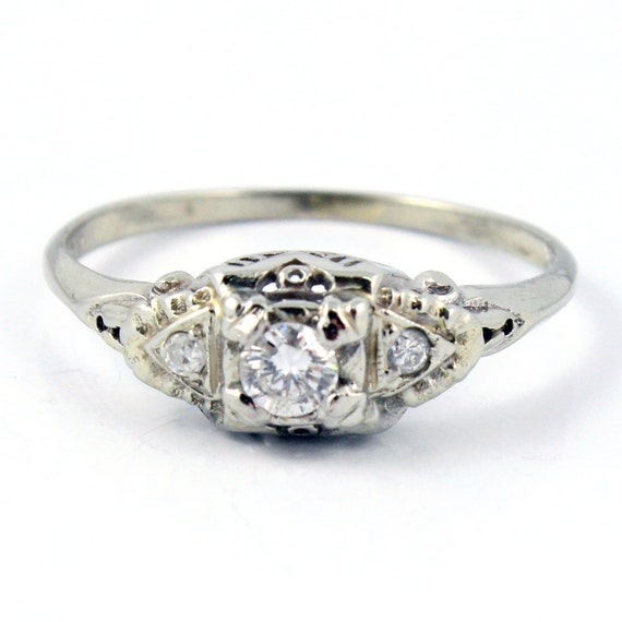 18K Vintage Art Deco Diamond Filigree Engagement Ring
