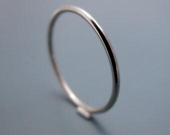 Palladium - smooth stacking skinny ring (sizes 7-9.75)