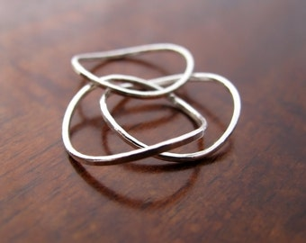 Wavy skinny rings trio - stacking rings