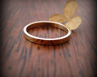 Recycled 14K yellow gold ring - 2mm wedding band