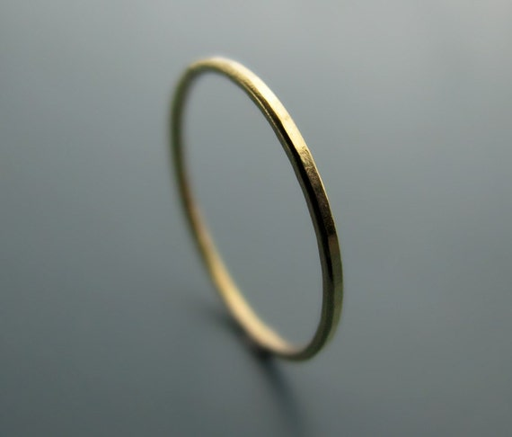 Recycled 18K yellow gold ring - hammered stacking skinny ring