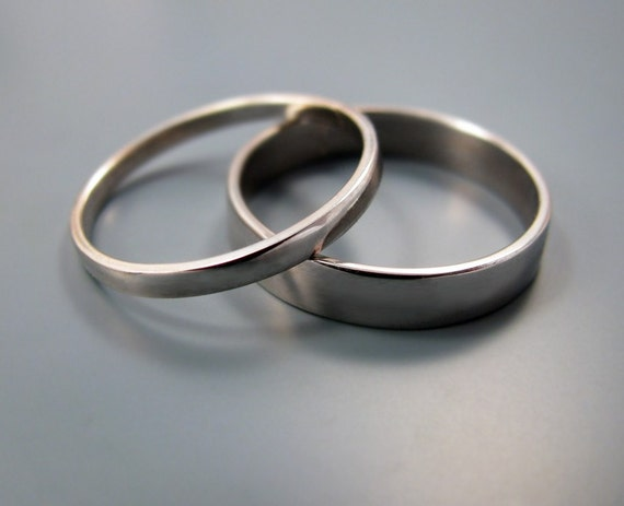 Palladium wedding band set (2mm and 4mm)