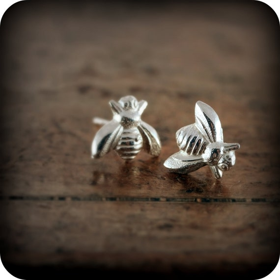 Busy bee - sterling silver earrings