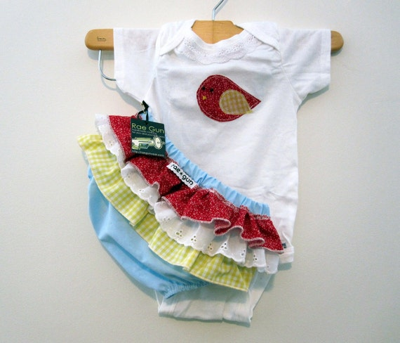 Girls Baby clothes - Onesie With Ruffled Bloomers with Red with Birds Gift Set