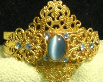 Baby Blue Gems Bracelet