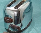 Marvelous Vintage 2-slot Westinghouse Toaster, Chrome & Bakelite, 1950s