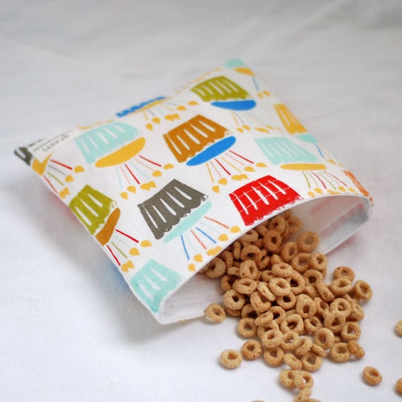 Cupcake Celebration - Medium Reusable Sandwich Bag from green by mamamade