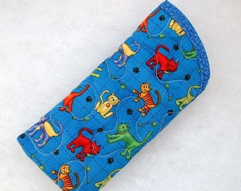 Quilted Sunglass/Eyeglass case - Colorful Cats on blue