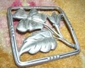 Vintage sterling silver brooch floral design