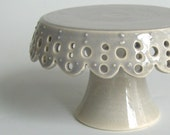 Tiny Lace Cake Stand - Grey