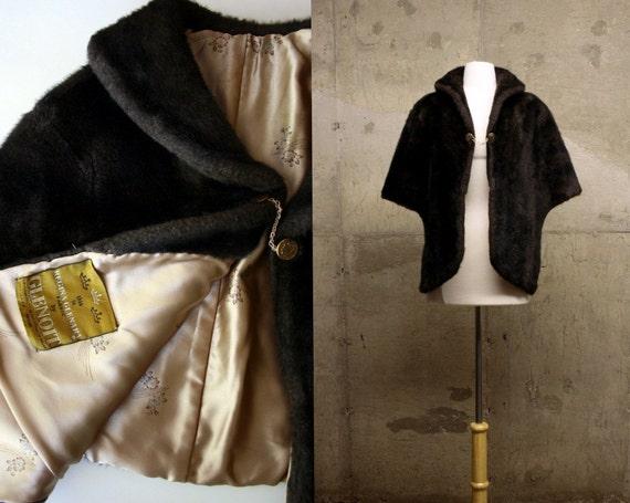 50s M/L Ada's Red Carpet faux Fur CAPE