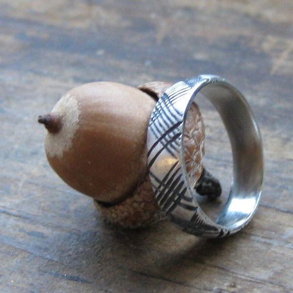 Thin PLAID sterling silver ring size 6