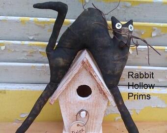 Primitive Cat on Birdhouse