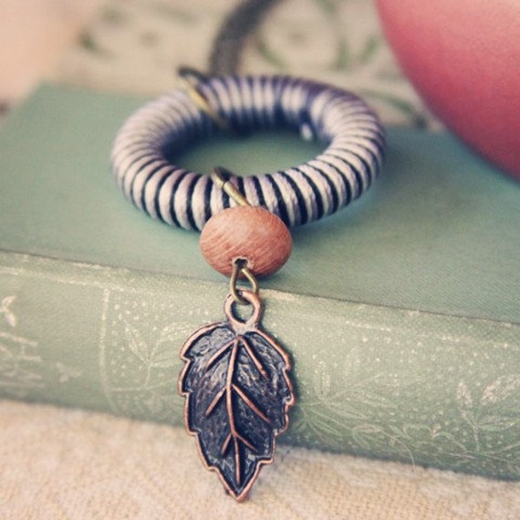 Striped Circle & Leaf Necklace