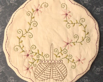 Primitive Stitchery Candle Mat PATTERN Basket Of Daisies