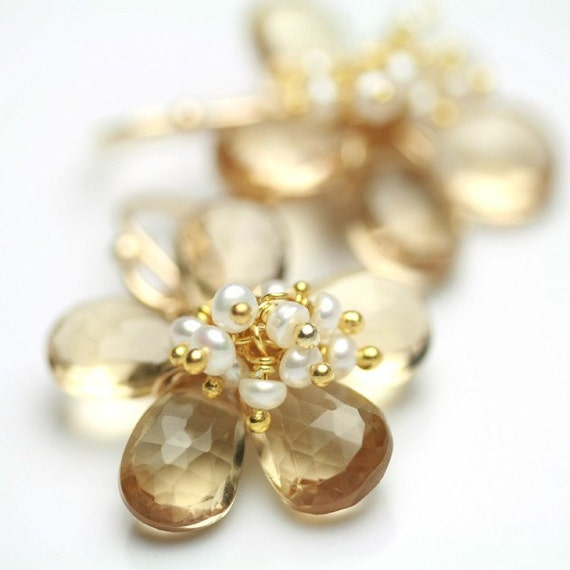 Flower Earrings Champagne and Pearls