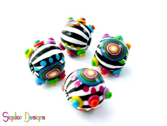 Funky Zebra -4 Handmade Polymer clay beads - Round 20 mm