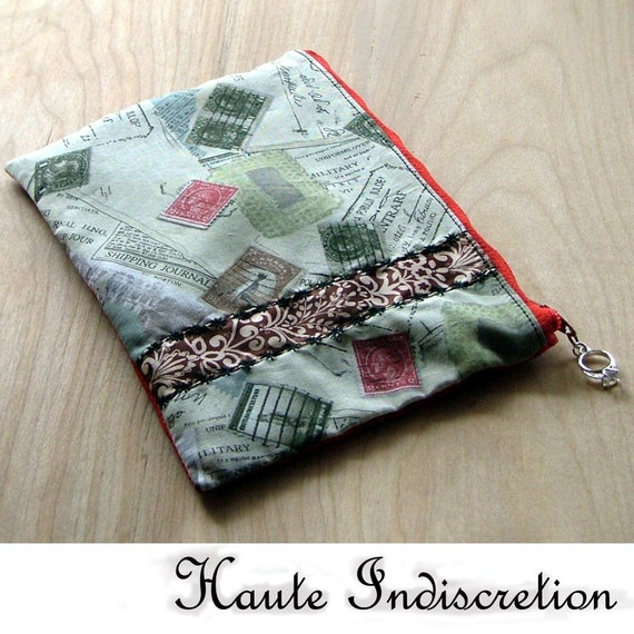 HAUTEINDISCRETION Remember My Letters Clutch