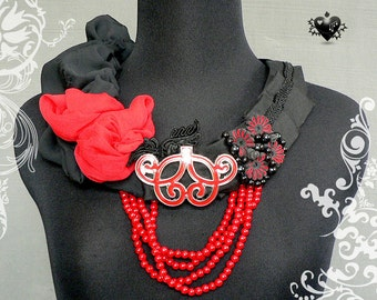 CLEARANCE SALE 60% OFF - Red and Black Chinois fiber art necklace