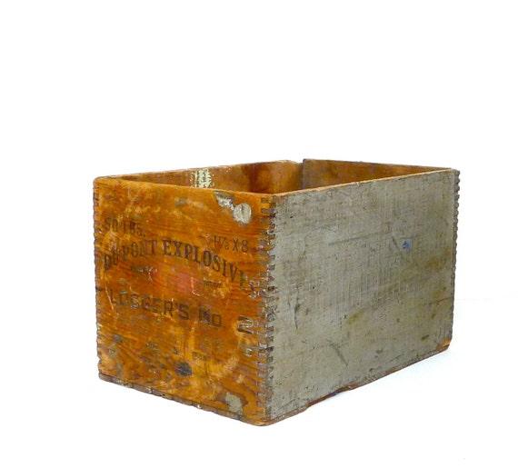 Wood Crate 1944 Du Pont Explosives Logger's No. 2