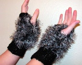 fm25 Hand Knit Black /White on Black Fingerless Mittens / Gloves Free Ship Lower 48
