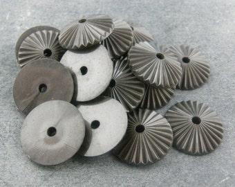 Vintage Metallic Plastic Fluted Caps 18mm