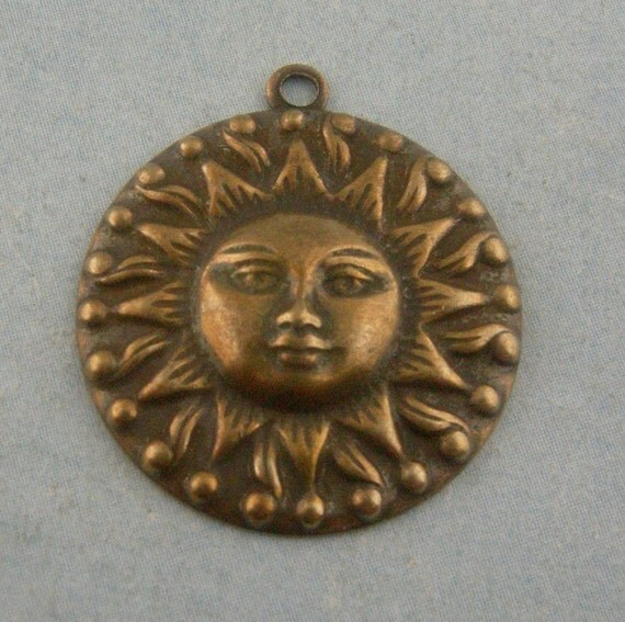 Vintage Antiqued Brass Sun Charms 18mm
