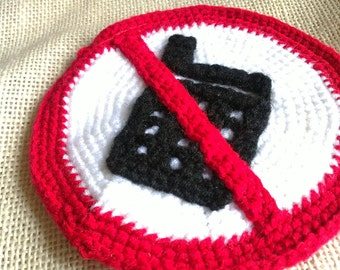 "Crochet Coin Purse with Zipper-The ""No Cellphone Allowed"" Sign"