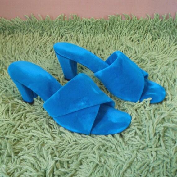 AQUA VELVET 60s 70s Blue Boudoir Pumps Slippers 6.5 7