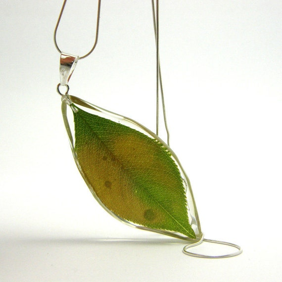 Resin Necklace. Green Leaf Pendant.