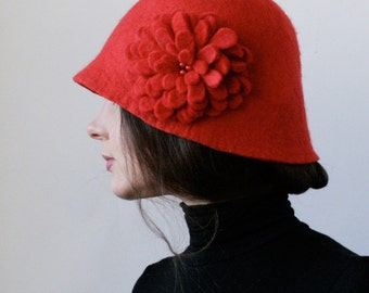 Scarlet Cloche Hat -- Hand Felted Wool -- Size Medium