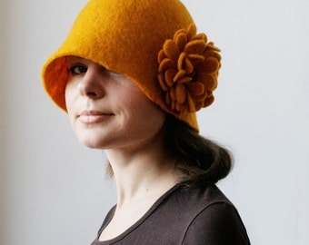 Goldenrod Hat -- Hand Felted Wool -- Size Medium