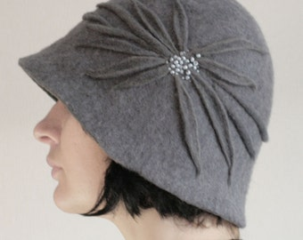 Gray Blue Cloche Hat -- Hand Felted Wool -- Size Medium