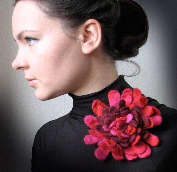 Pink Maroon Dahlia -- Felt Flower Brooch -- Hand felted wool -- size Large