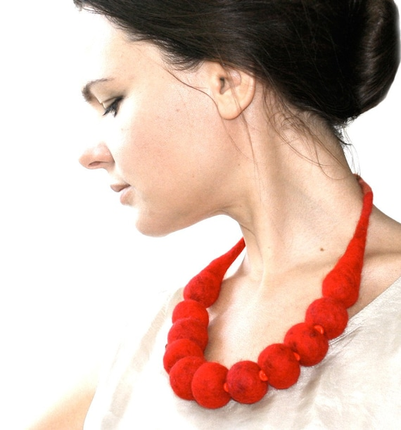 Chunky Marussia Berries -- Chunky Felt Necklace -- made from wool