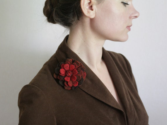 Rusty Red Dahlia - Felt Flower Brooch - Hand felted wool - size Small