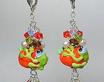Glitterbug Originals HaLLoWeeN FRoGS ON PuMPKiNS Artisan Crafted Lampwork Glass Earrings SRaJD