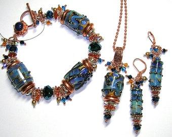 Glitterbug Originals BLUE Handmade Lampwork Art Glass Earrings Pendant and Bracelet Set SRAJD