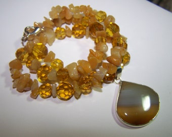 BUTTERSCOTCH-Lovely 19 1/2 inch JADE and AGATE Necklace