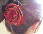 Ranunculus Hair Decor in Paprika
