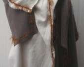 Wool/Linen Shawl with an Orchid Button