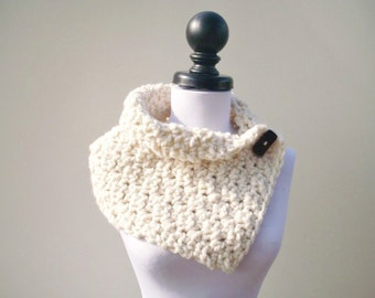 Crocheted Cowl Scarf - Lucienne Cowl in Cream Cowl Scarf - Cream Scarf Cream Cowl Cream Neckwarmer Womens Accessories