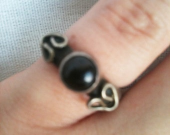 Vintage Taxco Sterling Silver and Black Onyx Small Ring