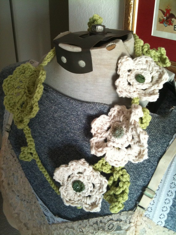 OOAK Spring roses cotton NECKLACE garland in green and ivory with vintage buttons