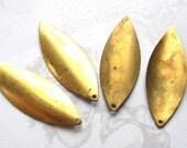 Vintage Brass Petal / Leaf Drop Pendants (4x) (V339)
