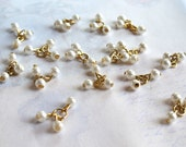 Vintage Japanese Plastic Faux Pearl Triple Beaded Charms (16x charms = 48x beads) (B510)